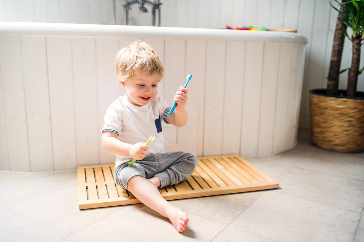 hrající dítě