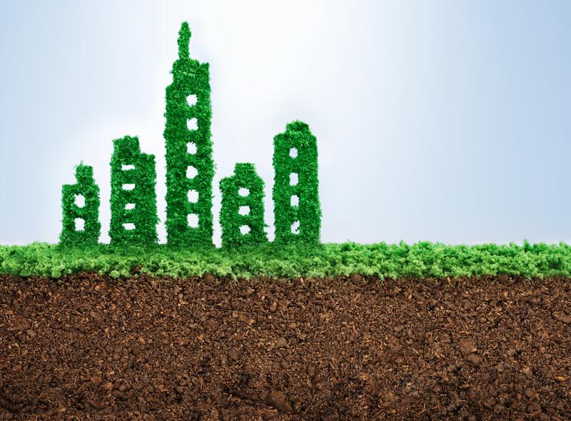 Nejlepší jsou materiály, které jsou přírodní, recyklovatelné, tlumí nežádoucí hluk a udržují stabilní teplotu v budově