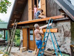 Při renovaci domu je dobré zvážit i izolaci